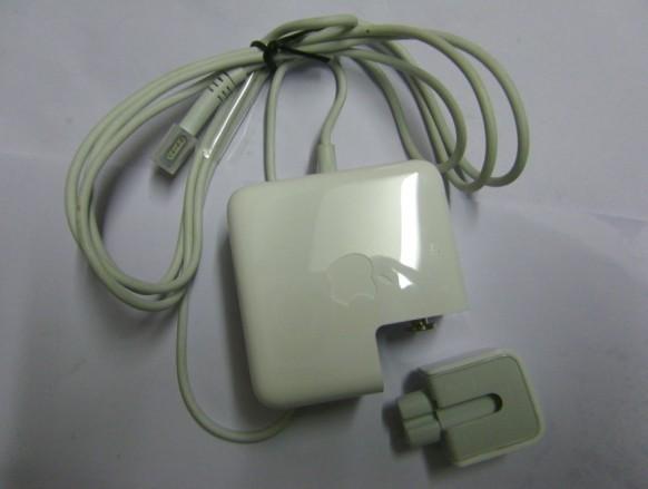 14.5V 3.1A 45W  A1244  MB283LL/A  ADP-54GD Laptop Akkus
